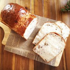 パン/和くるみ/ライ麦/食パン/朝食 少し前に載せたものとはまた生地の配合が違…