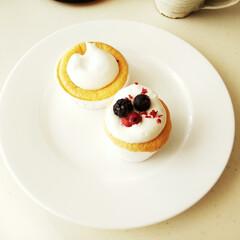 カップケーキ/シフォンケーキ/クリーム ミニミニサイズのカップで焼いたシフォンケ…