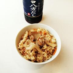 きのこ/にんじん/炊き込みご飯/鶏肉/ご飯 鶏肉・にんじん・きのこの炊き込みご飯。 …