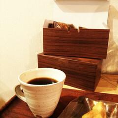 箱/木目調/ラッピング こちらの木目調の紙箱にリアルさを感じるの…