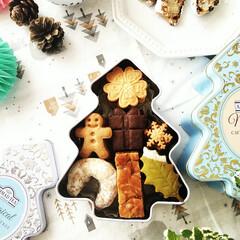 クリスマス/クッキー缶/クッキー 紅茶が入っていた可愛いツリー形の缶に、ク…