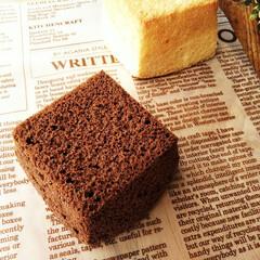 シフォンケーキ/スクエア/おやつ 手のひらサイズの、真四角のシフォンケーキ…