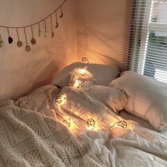 一人暮らしインテリア/レイアウト/自室/マイルーム/冬支度/クリスマス/... あったかい色のライトがかわいすぎる。どこ…