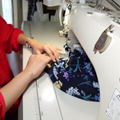 横浜縫製/カゴショルダーバッグ/横浜/ファッションアイディア/ファッション/150cmコーデ/... 浴衣に負けないインパクトのある花柄のシャ…(3枚目)