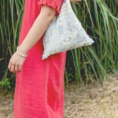 夏コーデ/バッグ/ハンドメイド/おしゃれ/夏ファッション 大好きな赤のリネンワンピースと マイバッ…
