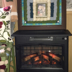リビングでなんちゃって暖炉/暮らし リビングにあったなんちゃって暖炉‼️ コ…