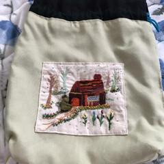 刺繍バック⑦ 冬物出していたら新品靴下入れていた刺繍の…(2枚目)