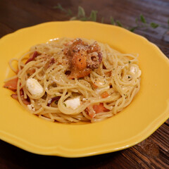 おうちご飯/お気に入りの食器/こだわりのテーブル トマトとタコとチーズのパスタ。 チーズの…