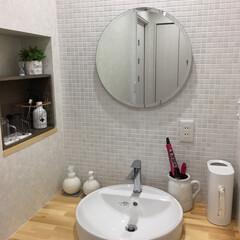 ニッチ/雑貨/IKEA/TOTO/見せると隠す収納/洗面台/... わが家の2Fの洗面所。 廊下くらいの幅し…