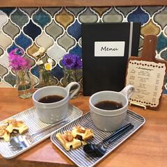 キッチンカウンター/名古屋モザイクタイル/お家カフェ/ダイソー/100均/DIY/... わが家では、本当に最近お家カフェを始めま…