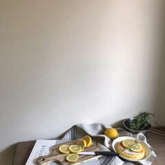 韓国カフェ/韓国インテリア/北欧インテリア/レモンパンケーキ/パンケーキ/お菓子作り/... ▥▥ 𝙻𝚎𝚖𝚘𝚗 ▥▥  レモネードを作…