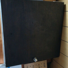 DIY収納/DIY 合板キーBOXです、仕上げはニスを塗りま…