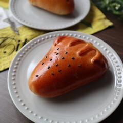 ジャムパン/手作りパン/焼き立てパン/イチゴジャム/おうちカフェ イチゴジャムパンを焼きました。