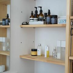 N. ポリッシュオイル | N.(その他ヘアケア)を使ったクチコミ「【洗面所】 洗面所の稼働棚には小物を。 …」(1枚目)
