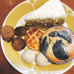 手作りお菓子/ケーキ/クッキー/スノーボールクッキー/ガレット/マフィン/... 全て手作りお菓子です!マフィンやコーヒー…(1枚目)