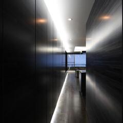 別荘/建築家/セカンドハウス/設計事務所/リゾート/週末住宅/... 熱海のヴィラ|エントランスからの眺め