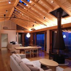 別荘/温泉/糸島/和モダン/建築家/設計事務所 雷山の別荘|リビングダイニング夜景