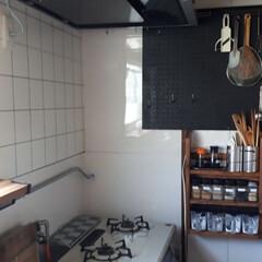 キッチンリメイク/有効ボード/タイル柄壁紙 キッチンの壁紙を追加して貼りました。  …(2枚目)