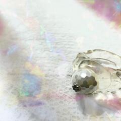 レジン リング パール 透明感 透明/手作りアクセ レジンで制作したリングです☆.・* ミラ…