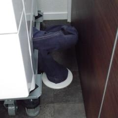 掃除アイデア/洗濯機掃除/洗濯機まわり/洗濯機ドラム式/簡単掃除/掃除箇所/... *洗濯機のホースにカバー* ↓↓↓ 洗濯…(3枚目)