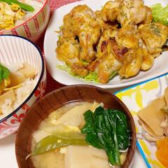 おうちごはん/タケノコ/筍/タンドリーチキン/豚汁 筍だらけのご飯です。 オープンでじっくり…