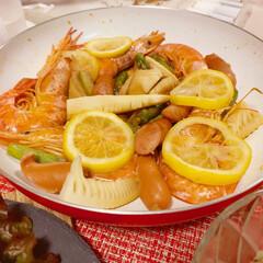 おうちごはん/時短レシピ/時短/海老/フライパンレシピ 海老とレモンのマリネソテー フライパンひ…