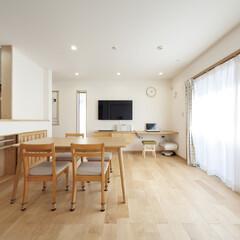 自然素材/無垢材/無垢メープルの床/リビングダイニング/キッチンカウンター収納/造作カウンターデスク/... . ~造作カウンターや収納を  計画的に…