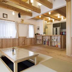 自然素材/無垢材/無垢杉の床/完全自由設計/注文住宅/アローズホーム/... . ~無垢杉の床と畳が融合した  堀座卓…