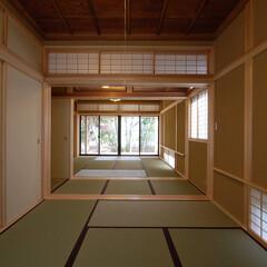 和モダン/インテリア/畳/自然素材/住まい/不動産・住宅/... 縁側でのんびり暮らす家 和室大広間古材を…