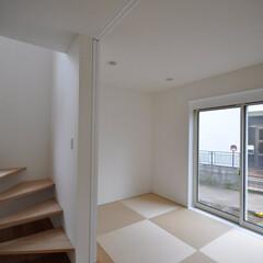 インテリア/北欧インテリア/和モダン/琉球畳/ホール/スケルトン階段/... コンパクトで可愛い家  和室、ワークスペ…