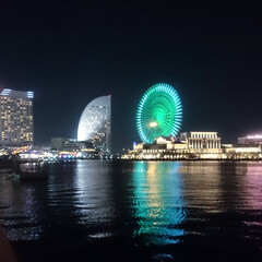夜景/景色/風景/横浜/みなとみらい/おでかけ/... 桜木町からのみなとみらいの夜景 月と太陽…
