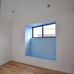 インテリア/アクセントカラー/出窓/出窓ベンチ/ハイサイドライト/子供部屋/... コンパクトで可愛い家 アクセントカラーを…