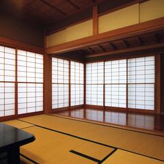 縁側/和室/茶室/障子/和モダン/床の間/... 障子の光の家 縁側とお茶事のできる和室