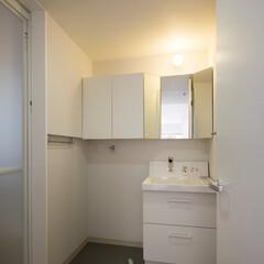 インテリア/洗面所/パウダールーム/化粧室/三面鏡/収納/... 洗面所、パウダールーム、造作三面鏡と収納