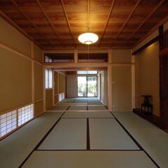 和モダン/インテリア/和室/本格的和室/床の間/欄間/... 縁側でのんびり暮らす家 和室大広間、古材…(1枚目)