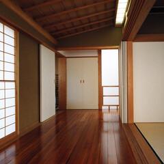 和モダン/縁側/障子/聚楽/自然素材/襖/... 障子の光の家 縁側とライトコート