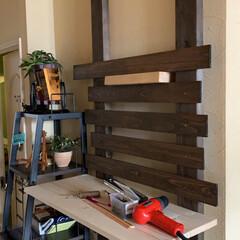 ディスプレイ棚/簡単/おしゃれ 飾り棚を作ってみました。 2×4の突っ張…(3枚目)