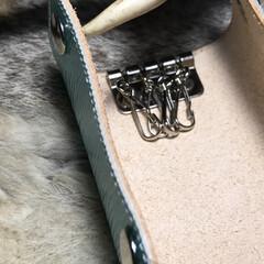 レザークラフト/革/革製品/革小物/キーケース/左利き用/... 三革屋original leather …(2枚目)