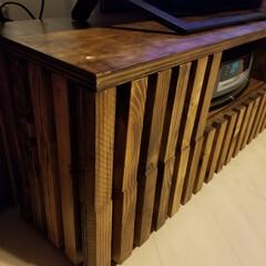 テレビボード ついにテレビ台完成。天板はざらざらしてた…