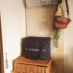 DEAN&DELUCA/籠/100均/セリア/ダイソー/収納/... 寝室の子供衣装ケースの一角(*´艸`*)