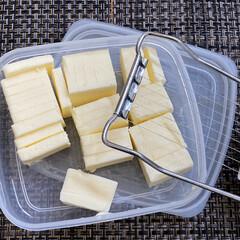 茹で卵カッター利用バターカッター/ゆで卵/茹で卵カッター/生活の知恵 茹で卵のカッターでバターをカットしました…