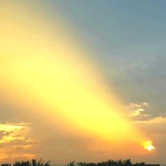空/夕日 🌴☀️SUMMER🍧🌴  ☁*°雲に空い…