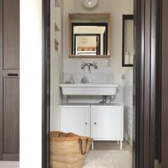 シンプルな暮らし/リフォーム/ナチュラルインテリア/実験用シンク/IKEA/洗濯機ラック/... 狭すぎて苦労してる洗面所⤵︎⤵︎ 収納ス…