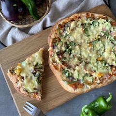 手づくりパン/ピザ/おうち時間/おうちご飯 夏野菜ピザつくりました。  畑で採れた、…(1枚目)
