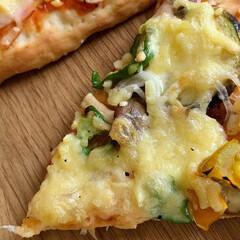 手づくりパン/ピザ/おうち時間/おうちご飯 夏野菜ピザつくりました。  畑で採れた、…(2枚目)