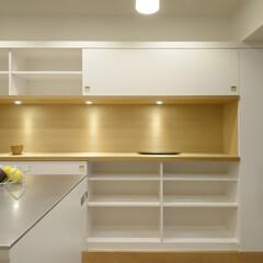 収納/壁面収納/飾棚/タモ 収納量を多く確保するためには壁面一杯の収…