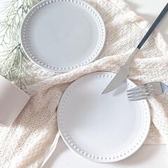 ダイソーパトロール/100均アイテム/食器/食卓を彩る/テーブルコーディネート/モノトーンカラー/... こんばんは  DAISOで欲しかったお皿…