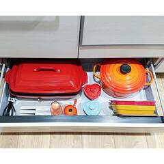 BRUNO ホットプレートグランデサイズ BOE026-RD レッド BOE026-RD | BRUNO(たこ焼き器)を使ったクチコミ「【鍋収納】 キッチンのカップボード 一番…」