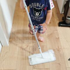クイックルワイパー | 花王(モップ、雑巾)を使ったクチコミ「こんにちは 真似っこの息子 最近お掃除を…」