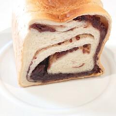 食卓を彩る/暮らしを楽しむ/食パン/お家カフェ/あんこ/あん食パン/... こんにちは  今日は大好きなあん食 重み…